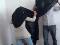 طالبة محجبة تزوغ من المدرسة وتروح لعشيقها شقته يخلعها العباية ويدمر كسها نياكة