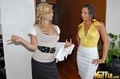 Rachel Starr & Sarah Vandella - Pleasing Pussies (lesbian) z6nmxt9u15.jpg